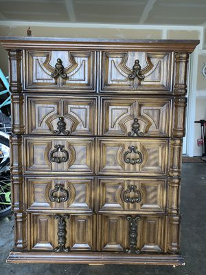 Beautiful Antique dresser for Sale in Puyallup, WA