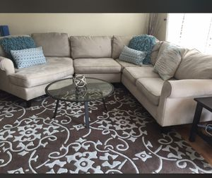 Sectional couch cream color for Sale in Alexandria, VA