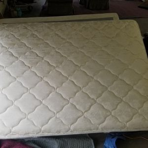 Queen Mattress And Box spring Very Clean for Sale in Bowie, MD