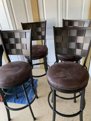 4 bar chairs/stools for Sale in Macomb, MI