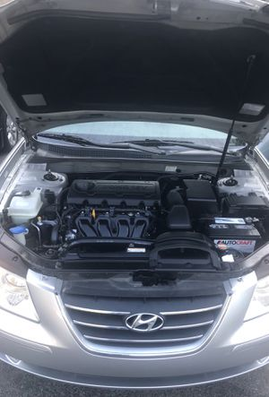 2009 Hyundai Sonata clean title very low miles for Sale in Nashville, TN