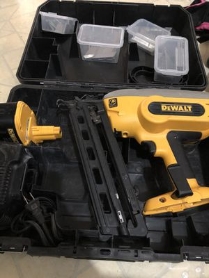 DeWalt 18 volts Angle Finish 16ga for Sale in St Louis, MO