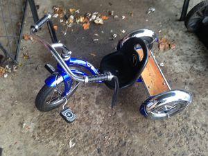 Small Schwinn Tricycle kids bike trike for Sale in Columbus, OH