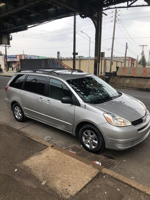 2004 Toyota Sienna LE 99k **Runs Like New Seriously for Sale in New York, NY