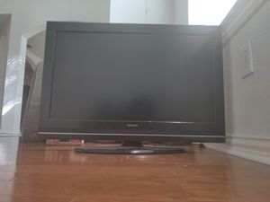 Hitachi TV 32 inch, HDTV with 4 HDMI port and remote for Sale in Plano, TX