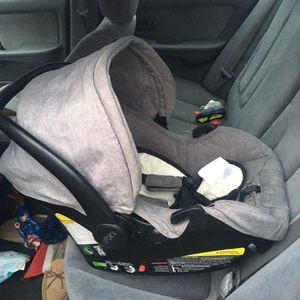 Urbini Infant Car Seat for Sale in Saylorsburg, PA