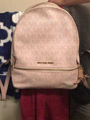 Woman's Michael kors bag for Sale in Baltimore, MD