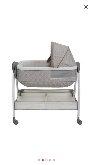 Graco Bassinet and Changing Table Duo Suite for Sale in Niles, IL