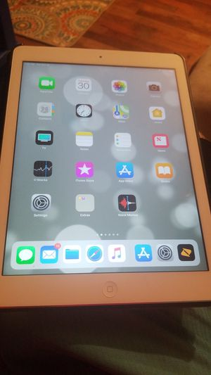 Apple iPad Air for Sale in Rolla, MO