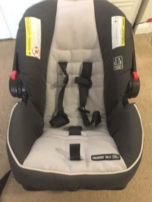 Graco car seat: Snugride 30 LX With Click-Connect for Sale in Gaithersburg, MD