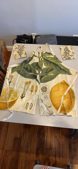 Apron and small kitchen towels for Sale in Baltimore, MD