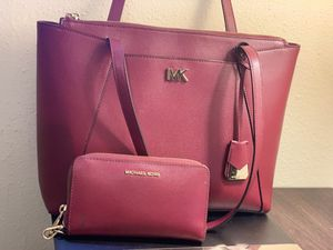 Michael kors bag and wallet for Sale in San Antonio, TX