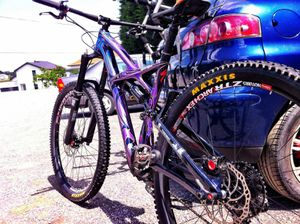 Troy Lee Designs specialized downhill mountain bike for Sale in Las Vegas, NV
