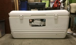 Igloo ice chest cooler for Sale in Annapolis, MD