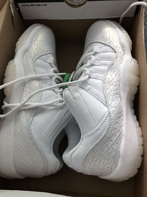 Jordan low 11 platinum heiress for Sale in Orlando, FL