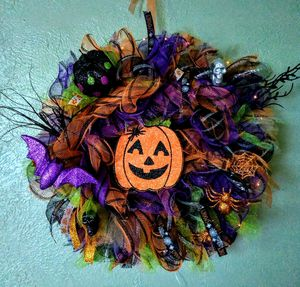 Handmade Halloween wreath for Sale in Imperial, MO