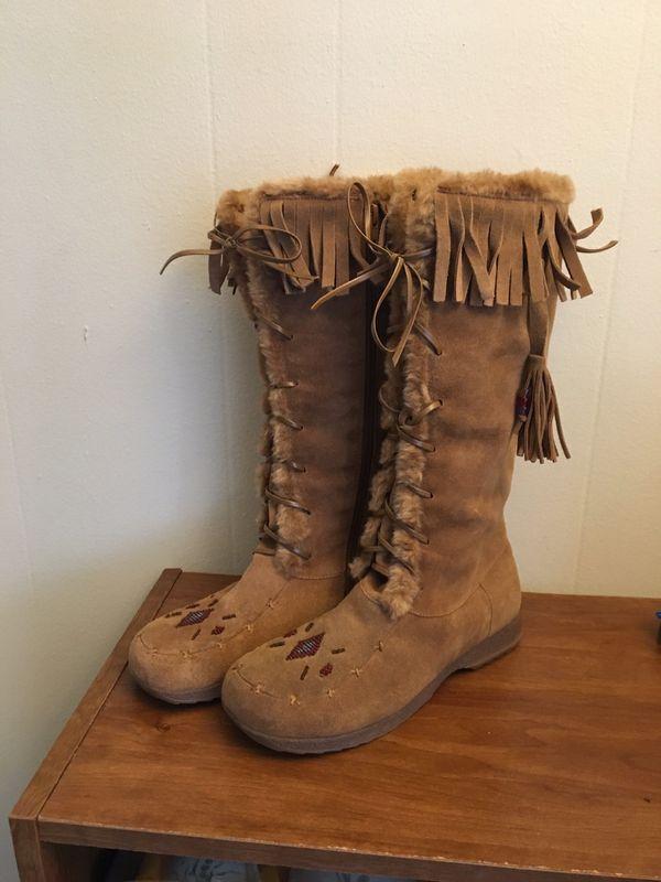 Kenneth Cole Fringe Boots Sz 6