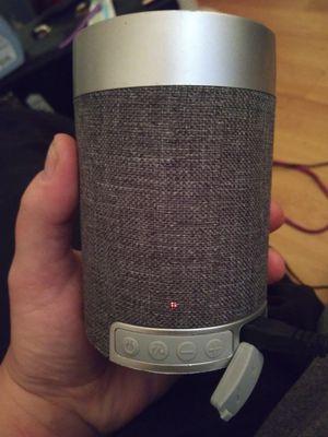 bluetooth speaker for Sale in Hutchinson, KS