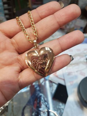 Gold plated 18k locket for Sale in Marietta, GA