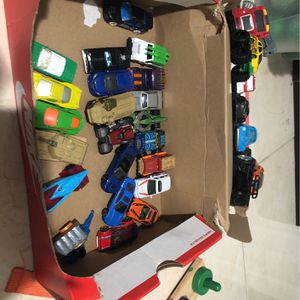 Hot wheels Cars 20 Plus Cars Boy Toys for Sale in Homestead, FL
