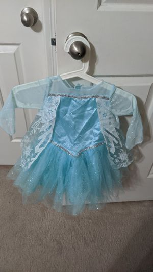 Elsa Halloween costume for 2T toddlers. Used only once for 2 hours. for Sale in Dallas, TX