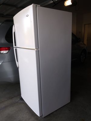 """COLD FRIDGE """" MAYTAG """" for Sale in Norco, CA"""