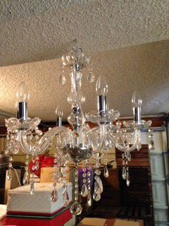 Pretty Chandelier / Wedding / Arch / Tent / Canopy / Princess Room for Sale in San Marcos, CA