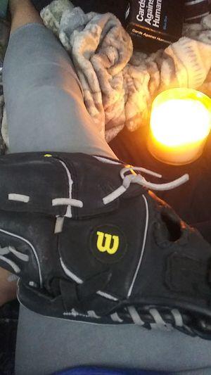 Wilson Baseball Glove for Sale in Everett, WA