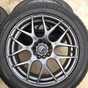 Velox Wheels And Tires 5 Lug Universal 235/55R18 for Sale in Hanover Park, IL