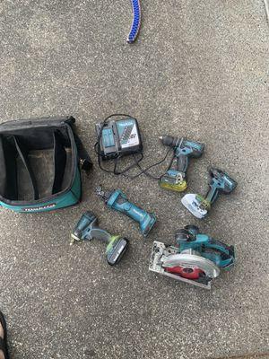 Makita set 18 volt for Sale in Spanaway, WA
