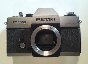Vintage Petri FT 1000 35mm Film Camera Body for Sale in Pembroke Park, FL