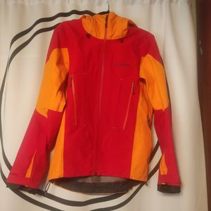 Patagonia Men's XS Shell Jacket for Sale in Renton, WA