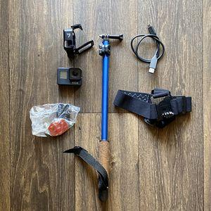 GoPro hero 7 black with pole / headband/ mounts for Sale in Tempe, AZ