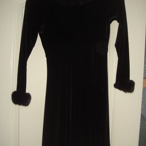 Velvet Dress With Fur Cuffs Size 8-10 for Sale in Rockville, MD