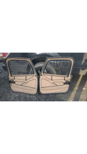 jeep wrangler 97-06 topless tan doors. for Sale in MONTGOMRY VLG, MD