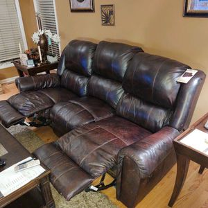 BERKLINE LEATHER RECLINER SOFA for Sale in Arlington Heights, IL