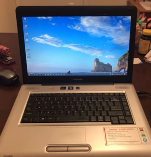 Toshiba laptop L455D-S5976 comes with brand new battery and owner's manual cd rom for Sale in Houston, TX