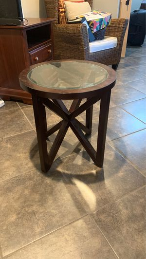 End table for Sale in Seabrook, TX