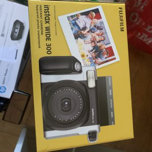 Instax Camera Polaroid Instant Picture Cam for Sale in Las Vegas, NV