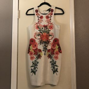 White flower dress for Sale in Austin, TX