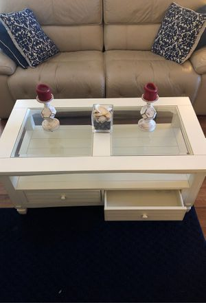 Coffee table for Sale in Apopka, FL