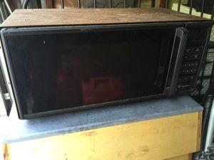Microwave Spacemaker II GE for Sale in Delaware, OH