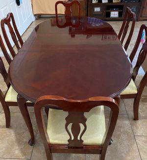 Dinner Table & Chairs Set for Sale in El Monte, CA