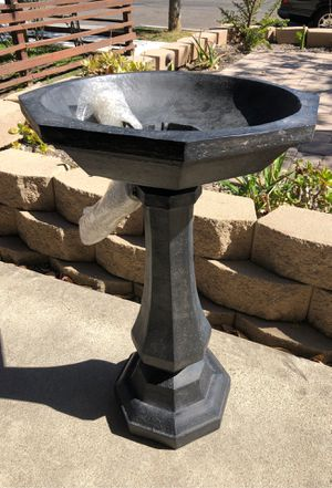 Smith and Hawken Paris water fountain for Sale in San Diego, CA
