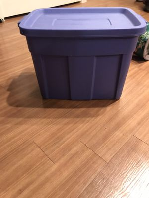 Rubbermaid Roughneck 18 Gal storage container for Sale in Littleton, CO
