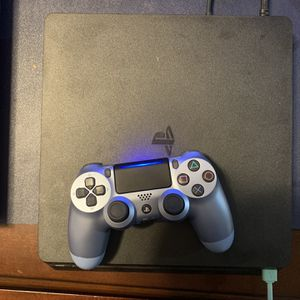 PS4 Bundle With Games Ready To Use for Sale in Hartford, CT