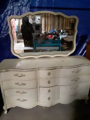Antique dresser set with mirror for Sale in Hotchkiss, CO