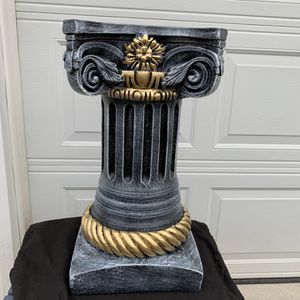 Painted medium sized Pedestal for Sale in Buffalo, NY