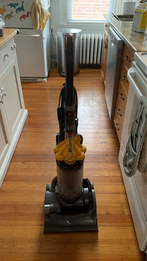 Dyson DC 33 vacuum for Sale in Salem, MA