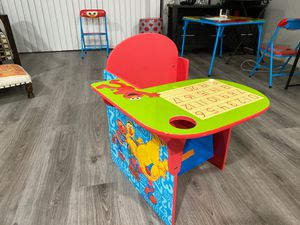 Kids school desk for Sale in Pembroke Pines, FL